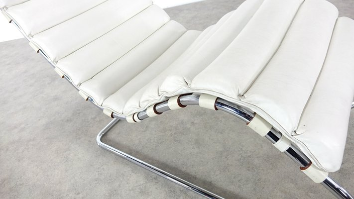 241 LS Chaise Lounge By Ludwig Mies Van Der Rohe For Knoll International 1990s 13