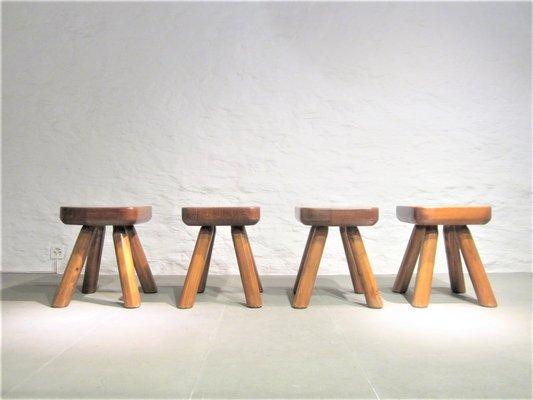 Sgabelli in legno massiccio anni set di in vendita su pamono