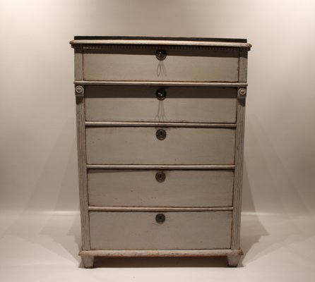 Superb Gustavian Grey Painted Chest Of Drawers With Black Top, 1830s 1