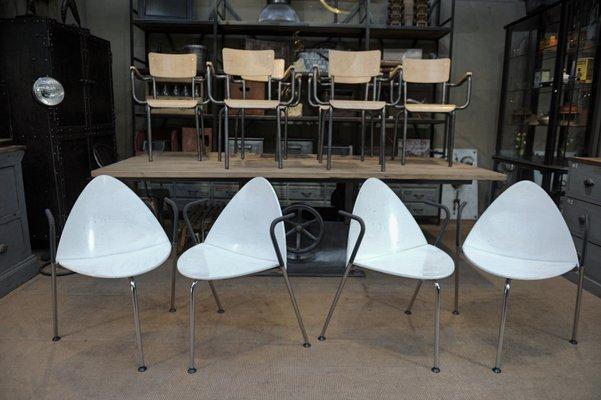 Sedie In Legno Laccate Bianco.Sedie Impilabili In Metallo E Legno Laccato Bianco Di Sope Finland
