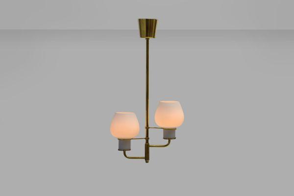 Lampade da soffitto in ottone e vetro opalino di bent karlby per