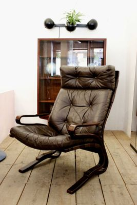 Vintage Scandinavian Leather Lounge Chair By Ingmar Relling 1
