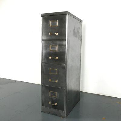 Armadio vintage in acciaio lucidato con quattro cassetti in vendita ...
