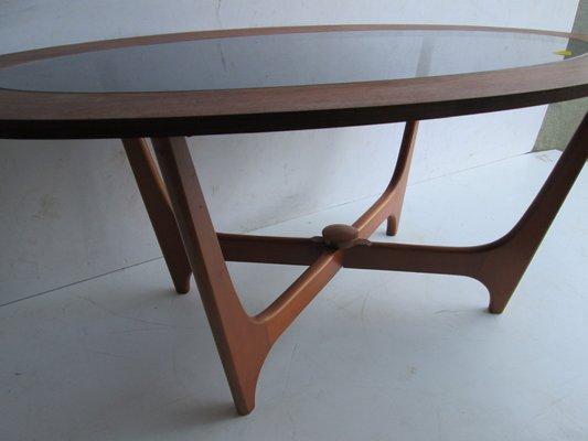 Table Basse Ovale Vintage en Teck, 1960s en vente sur Pamono