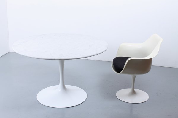 Tavolo Tulip Knoll.Round White Tulip Marble Dining Table By Eero Saarinen For Knoll 1960s