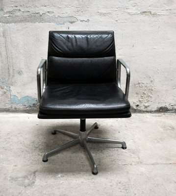 Poltrone Da Studio In Pelle.Poltrona Da Ufficio In Pelle Di Charles Ray Eames Per Icf Anni 60