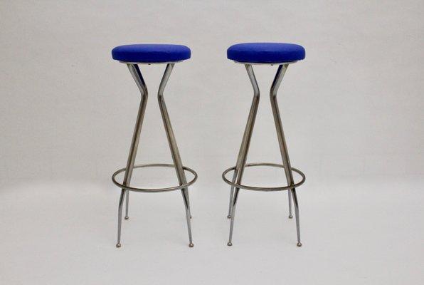 Sgabelli da bar in metallo cromato ed ecopelle blu anni set