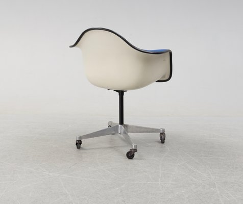 Brilliant Dar Swivel Chair By Charles Ray Eames For Herman Miller 1969 Andrewgaddart Wooden Chair Designs For Living Room Andrewgaddartcom