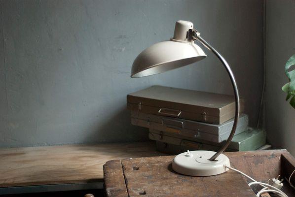 Große Cremeweiße Vintage Schreibtischlampe Von Helion Arnstadt Bei