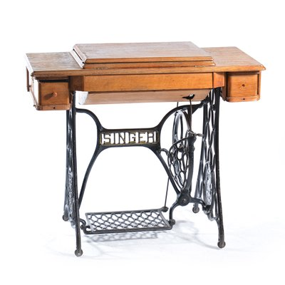 new styles b1d41 901d4 Antique German Sewing Machine & Table from Singer, 1908