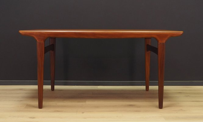 Mid Century Danish Teak Extendable Dining Table By Johannes Andersen