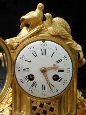 Horloge De Cheminee Napoleon Iii En Bronze Dore De Vincenti France