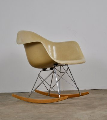Tremendous Rar Rocking Chair By Charles Ray Eames For Herman Miller 1960S Inzonedesignstudio Interior Chair Design Inzonedesignstudiocom