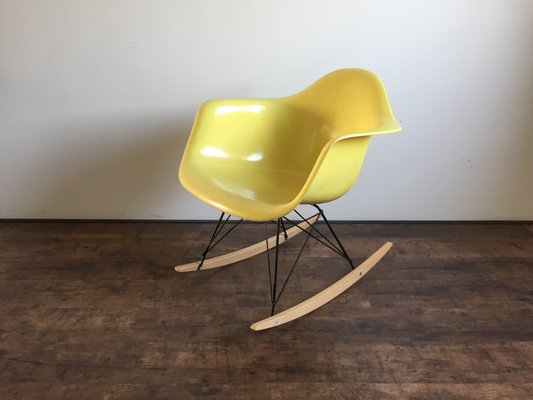 Incredible Rar Rocking Chair By Charles Ray Eames For Zenith Plastics 1955 Inzonedesignstudio Interior Chair Design Inzonedesignstudiocom