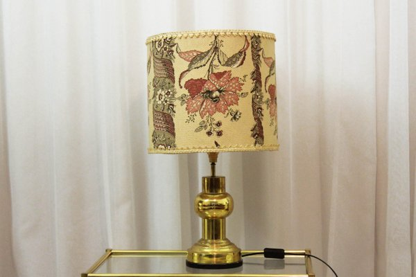 Lampada da tavolo vintage con paralume floreale anni in