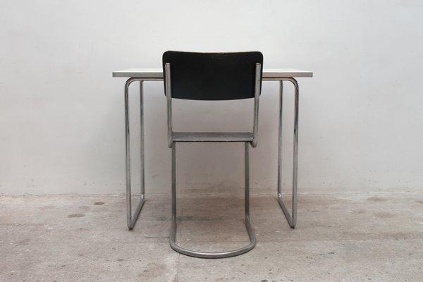Freischwingender Stuhl Tisch Von Mart Stam Marcel Breuer Für