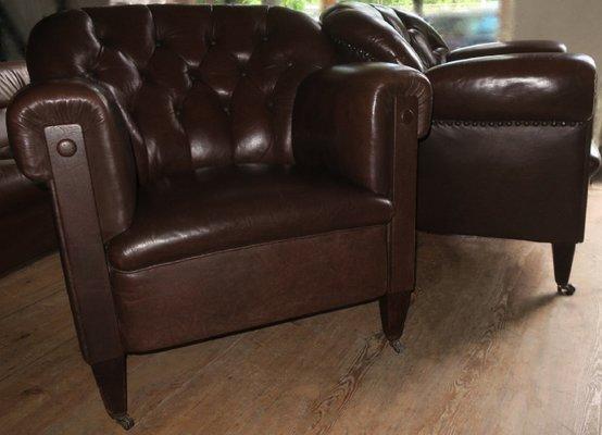 Bon Button Back Dark Brown Leather Club Chair, 1920s 1