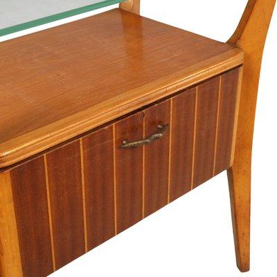 Comodino in legno di noce, acero e cristallo di Gio Ponti per La Permanente  Mobili Cantù, anni \'40