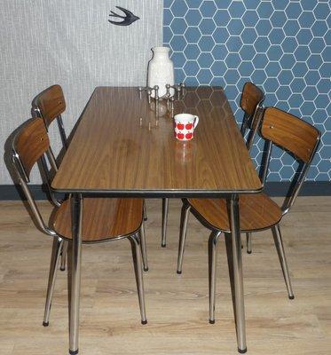 Tavolo da cucina in metallo cromato e formica, anni \'60