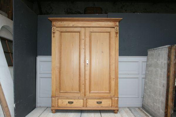 Armadio Antico 2 Ante : Armadio antico guglielmino in vendita su pamono