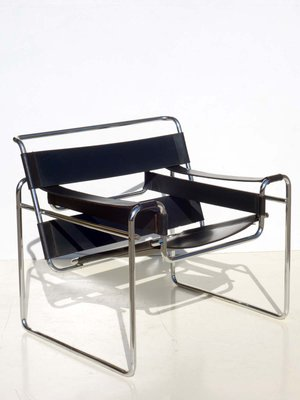 Bauhaus Black Leather Wassily Chair By Marcel Breuer For Gavina