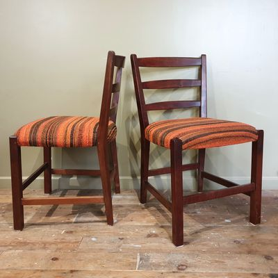 Sedie In Legno Massiccio.Sedie Vintage In Legno Massiccio Africano Set Di 4