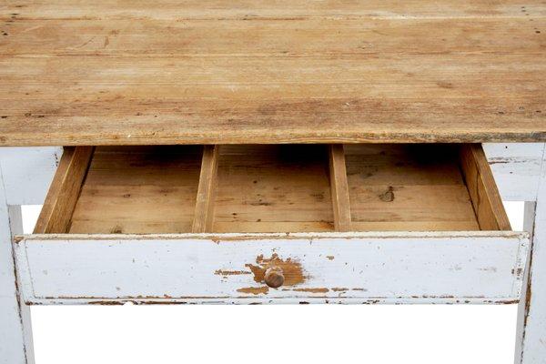 Mesa de cocina sueca antigua de pino en venta en Pamono