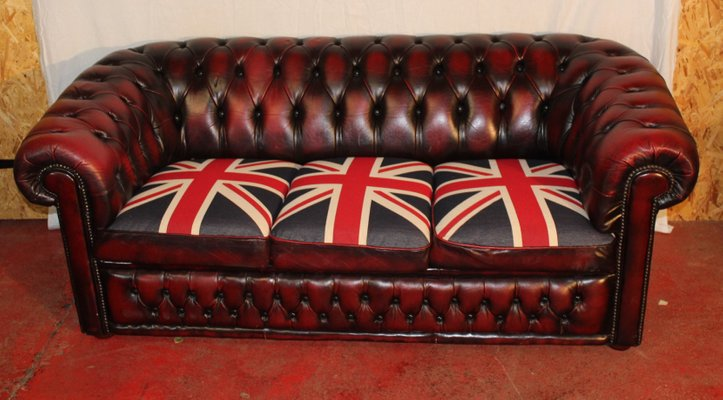 Ox Red Leather 3 Seater Chesterfield Sofa With Union Flag Cushions
