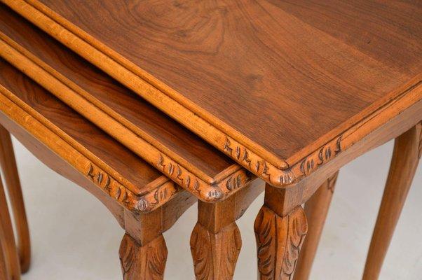 Tavoli ad incastro vintage in legno di noce
