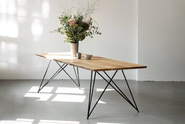 Schmaler Tisch aus Eiche von Philipp Roessler für NUTSANDWOODS