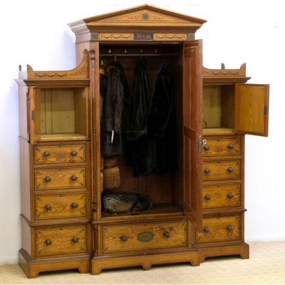Set da camera da letto antico in legno di pino