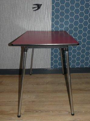 Tavolo da cucina vintage in metallo cromato e formica, anni \'50