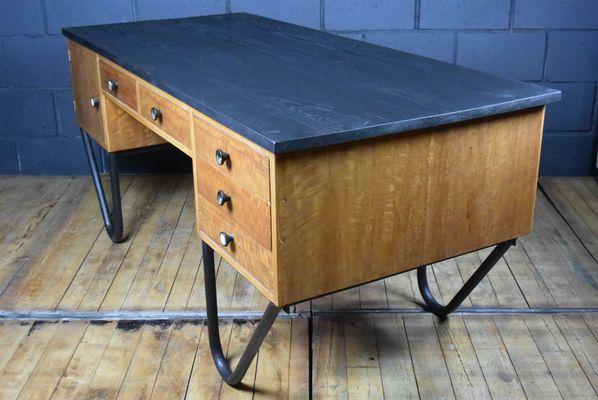 Scrivania grande vintage da elettricista in vendita su pamono