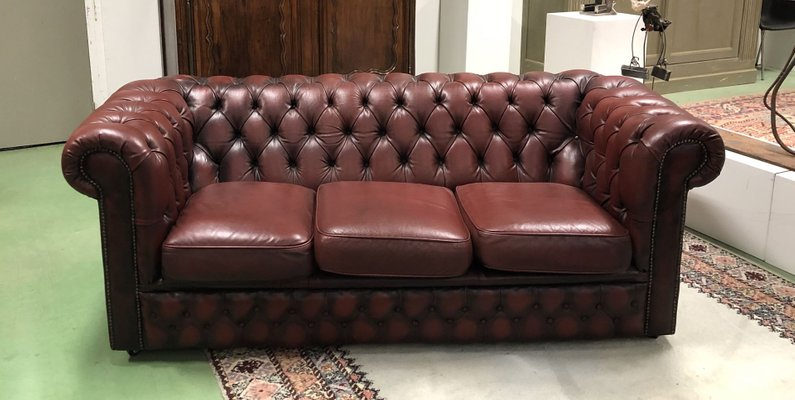 Red Leather 3-Seater Chesterfield Sofa, 1970s for sale at Pamono