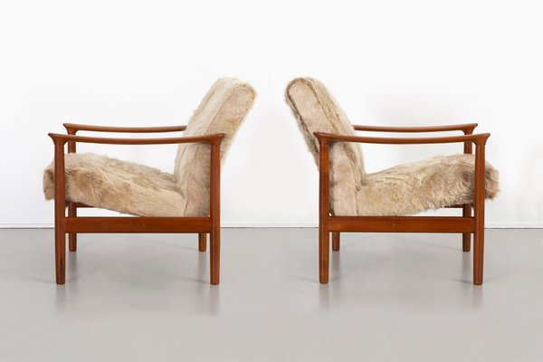 Pleasant Mid Century Modern Lounge Chairs In Brazilian Cowhide From Westnofa Set Of 2 Evergreenethics Interior Chair Design Evergreenethicsorg