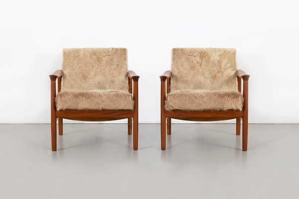 Phenomenal Mid Century Modern Lounge Chairs In Brazilian Cowhide From Westnofa Set Of 2 Evergreenethics Interior Chair Design Evergreenethicsorg