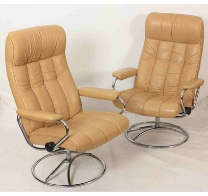 Pleasant Vintage Leather Reclining Armchairs Set Of 2 Bralicious Painted Fabric Chair Ideas Braliciousco