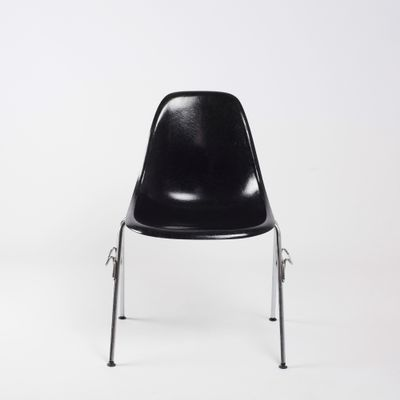 DSS Black Fiberglass Chair By Charles U0026 Ray Eames For Herman Miller, 1972