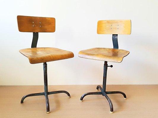Sedie vintage industriali, anni \'50, set di 2 in vendita su Pamono