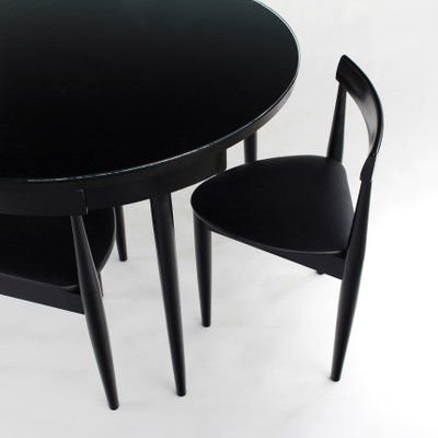 Pleasant Mid Century Round Nesting Dining Set With Tripod Chairs Frankydiablos Diy Chair Ideas Frankydiabloscom