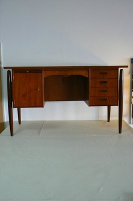 Danish Teak Ladies Desk With Curved Front And Back U0026 Suspended Legs, ...