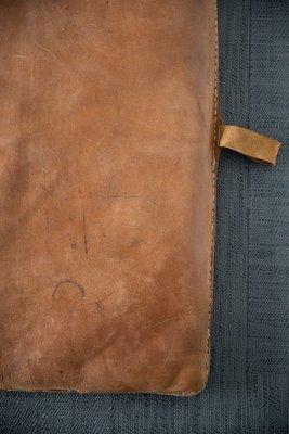 1ed804140a9135 Tappetino da ginnastica vintage in pelle, anni '30 in vendita su Pamono