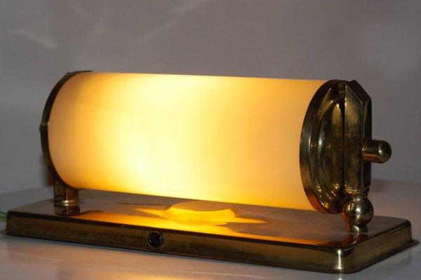 Applique da parete art déco in ottone e vetro opalino anni 30 in