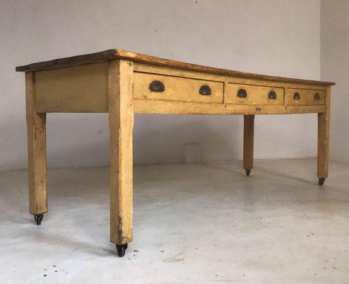 Tavolo da cucina industriale vintage in legno di pino, anni \'30