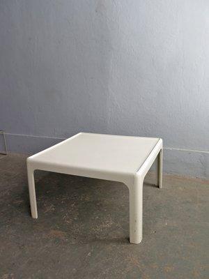 Table Basse en Bois Laqué Blanc, 1970s