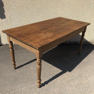 Antiker Tisch Mit Gedrechselten Beinen 1900er Bei Pamono Kaufen