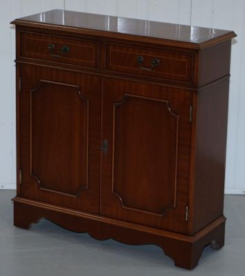 Antique Furniture.Antique Flamed Mahogany Bookcase Form Bradley Furniture