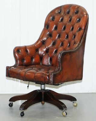 Merveilleux Vintage Brown Leather Chesterfield High Back Directors Chair, 1950s 1