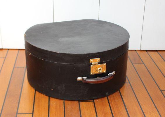 450baa12c1063 Vintage Hat Box from Moynat