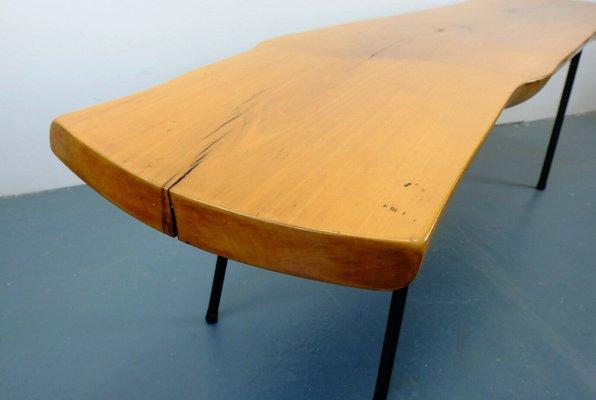 Table Basse Tronc D Arbre Avec Pieds Inclines Mid Century En Vente